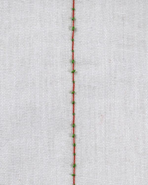 直線縫いのときに下糸が布の表にポツポツ出てきてしまう